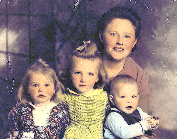 Mama-and-Kids2
